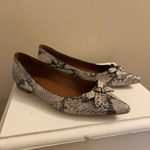 COLE HAAN SNAKESKIN PRINT LEATHER FLATS 6B